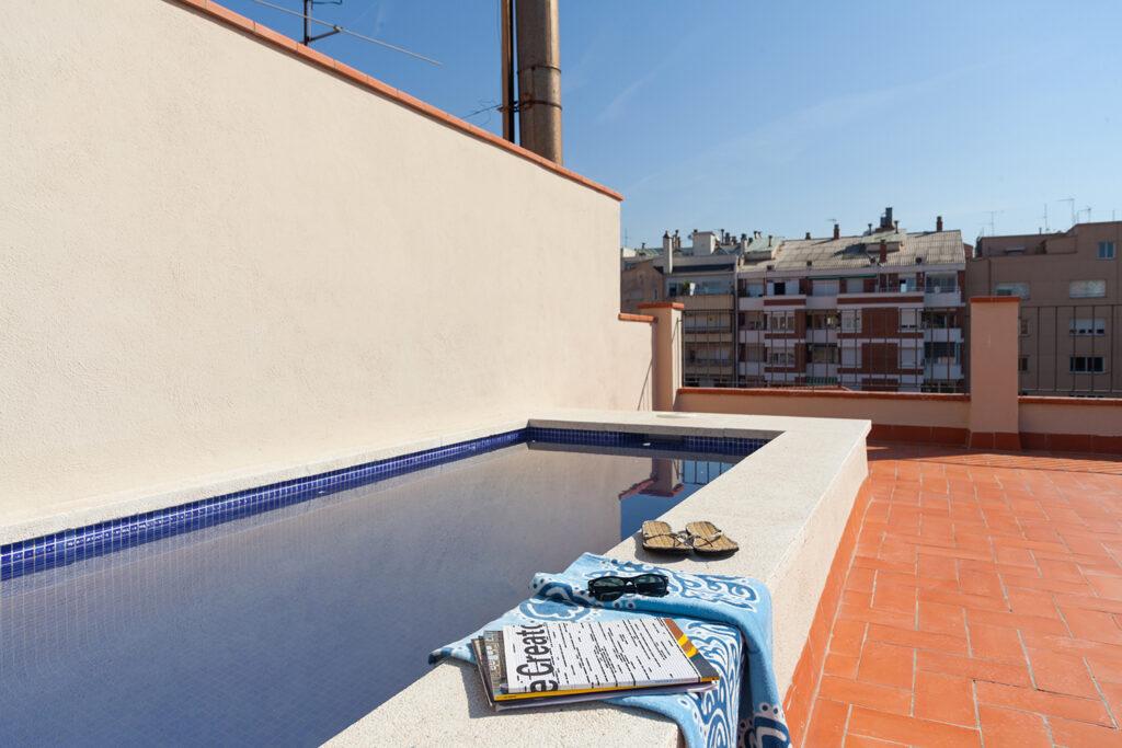 Ferielejlighed i Bacelona med lokalmiljø lige udenfor døren