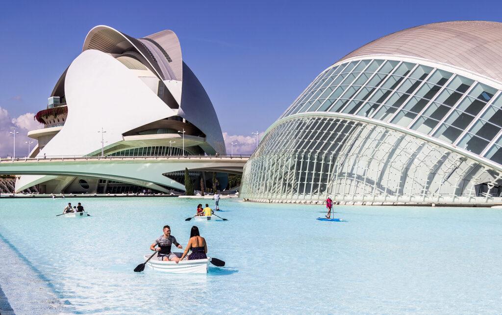 Guide Valencia: Unik arkitektur, god stemning og himmelske risretter