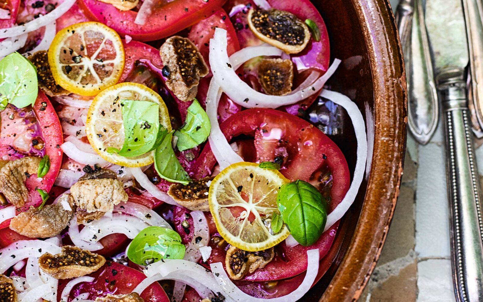 Tomat-figensalat med citron - opskrift af Tina Scheftelowitz fra bogen Den andalusiske drøm