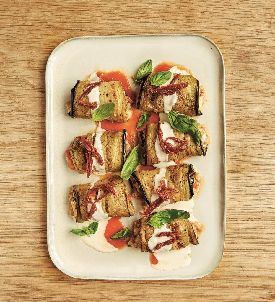 Vegetaropskrift: Aubergineruller med svampe og cashew-ricotta af Barcelonas grønne kok, Teresa Carles