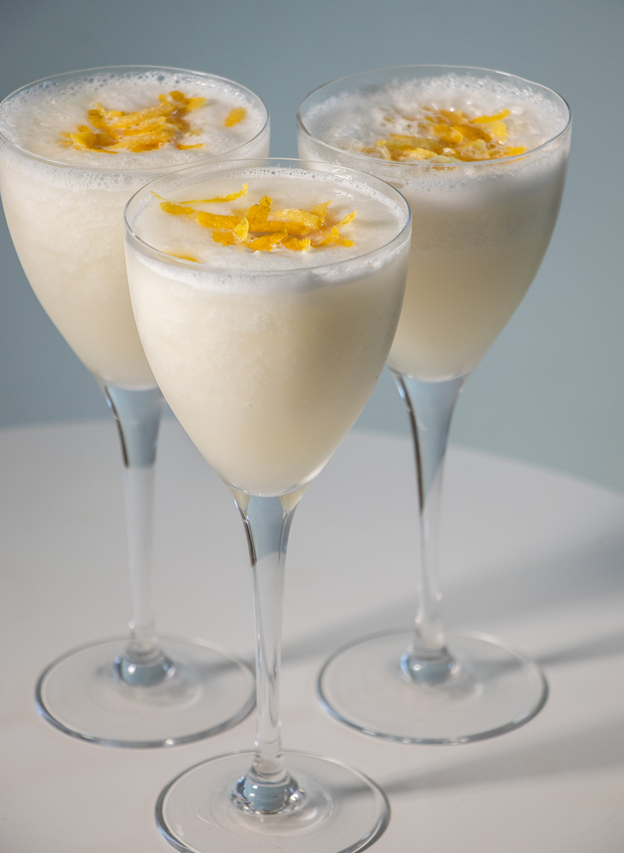 Opskrift: Citronsorbet med cava. En enkel og lækker dessert.