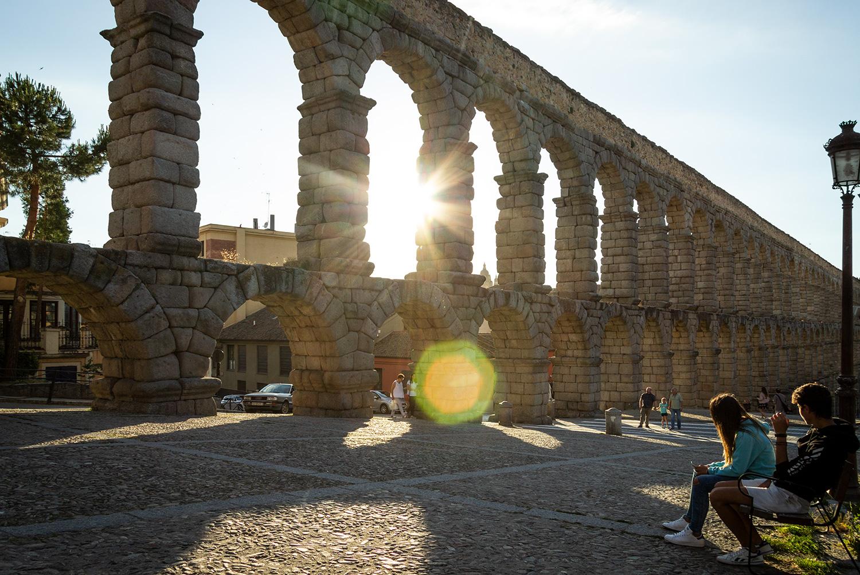 Rejs Spanien rundt på skinner og oplev bl.a. den berømte viadukt i Segovia.