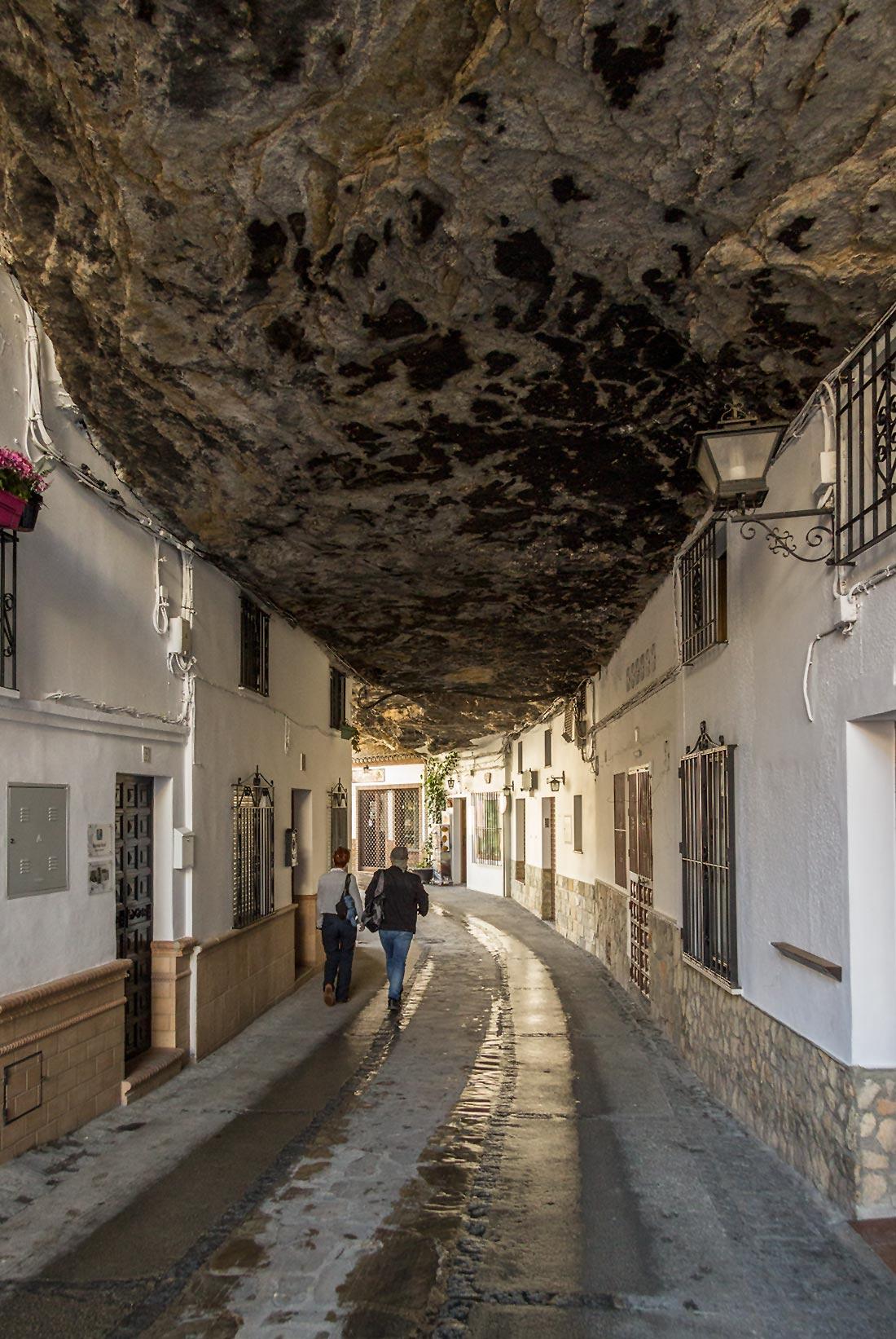 klippebyen Setenil de las Bodegas i Andalusien