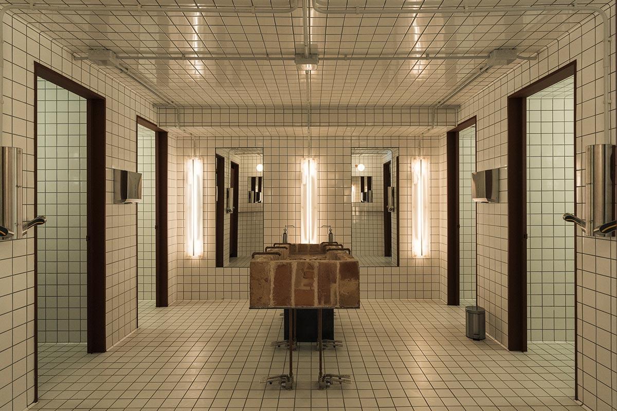 Badeværelset på Madrids hippe, bæredygtige restaurant MO de Movimiento. Foto: MO de Movimiento