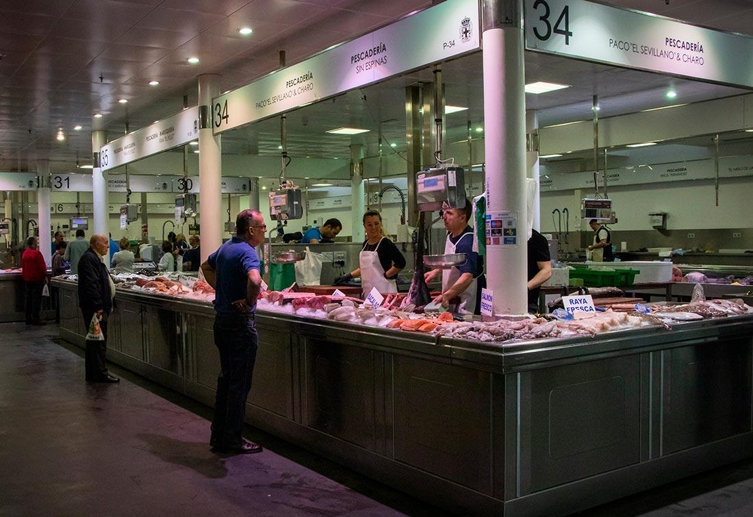 Madmarkedet i Almería - Mercado Central - hvor du bl.a. kan købe Almerias mange, friskfangede fisk.