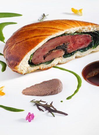 El Cellar de Can Roca har tre Michelinstjerner og er Gironas mest ekstravagante restaurant.