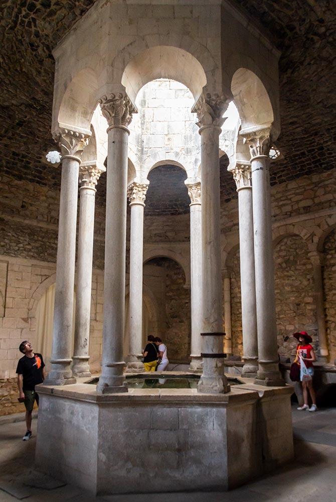 Guide: Her får du de bedste oplevelser i Girona - besøg de arabiske bade.