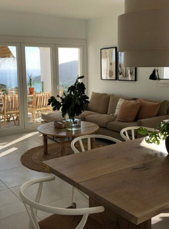 Spansk landsbycharme møder dansk design i La Herradura