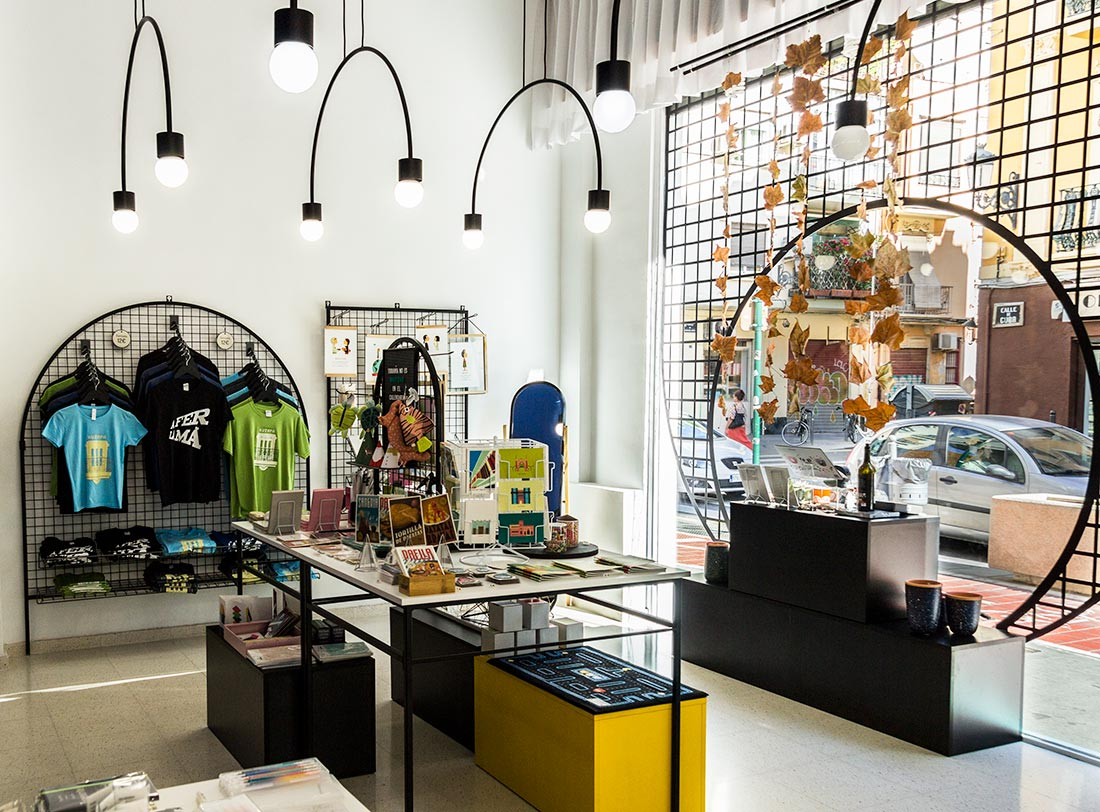 Shop lokalt design hos Gnomo i Ruzafa-kvarteret i Valencia.